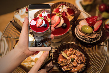 pictures of mini cake using a smartphone