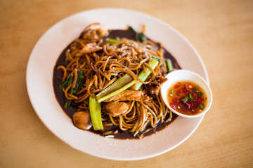 Malaysian soy sauce chicken noodles