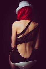 Femme sexy aux cheveux rouge