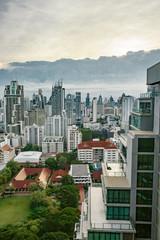タイ バンコク 夕焼け サンセット ビルディング 大都会 ビジネス 仕事 シティ イメージ 金融 広告