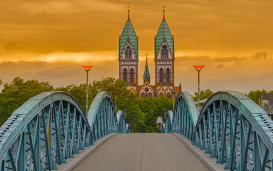 Fahrradbrücke Freiburg Abendrot