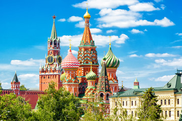 Fototapete - St Basil's Cathedral and Moscow Kremlin