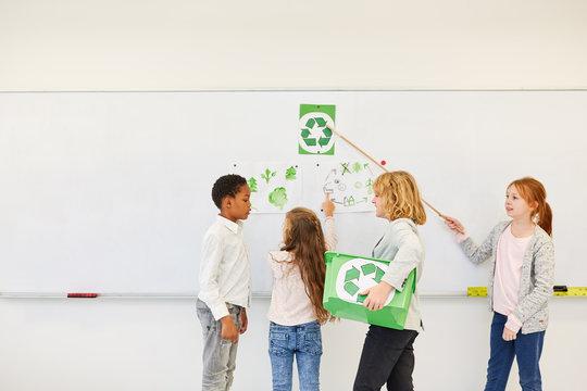 Kinder planen ein Umweltschutz Projekt