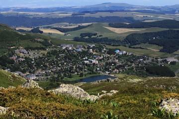 Papiers peints Bleu nuit paysage d'Auvergne, massif du Sancy