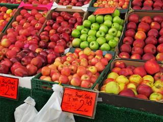 Marktstand mit Äpfel