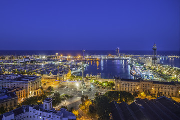 El puerto de Barcelona de noche catalunya españa