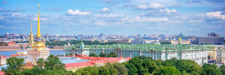 Wall Mural - Aerial panoramic view of Admiralty tower and Hermitage, St Petersburg, Russia