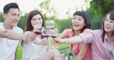 people enjoy red wine