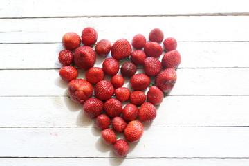 Herz aus Erdbeeren