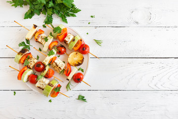 Aluminium Prints Grill / Barbecue Vegetarian skewers with halloumi cheese