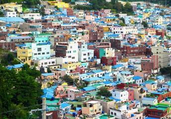 韓国の釜山の甘村洞文化村