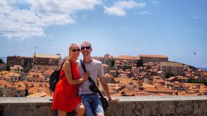 Paar im Urlaub in Dubrovnik