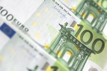 banknotes of 100 euros