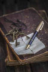 pen key  retro vintage