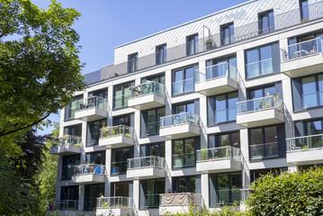 Fototapeta Fassade eines modernen Wohngebäudes in Hamburg, Deutschland obraz