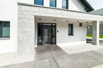 Eingangsbereich eines Einfamilienhauses