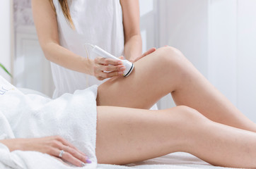 Radiofrequency lifting legs massage