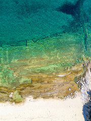 Fototapete - Aerial view of tropical sandy beach and turquoise ocean.