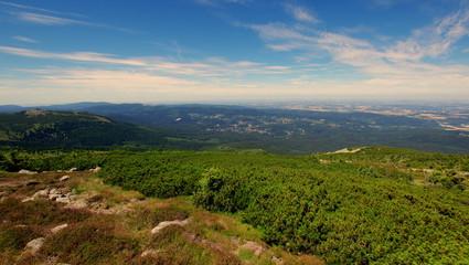 Wycieczka w polskie góry - widok na Szklarską Porębę oraz Szrenicę