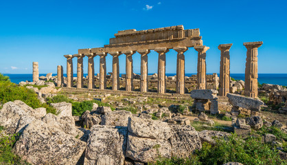 Printed roller blinds Ruins Ruins in Selinunte, archaeological site and ancient greek town in Sicily, Italy.