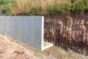 Stützmauer aus Mauerscheiben errichten