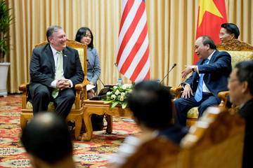 U.S. Secretary of State Pompeo meets with Vietnamese PM Nguyen Xuan Phuc in Hanoi