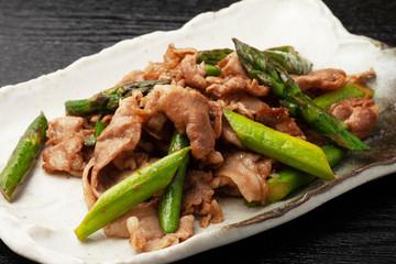 アスパラと豚肉の炒め物