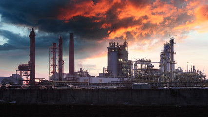 Foto op Aluminium Industrial geb. Oil Industry silhouette, Petrechemical plant - Refinery