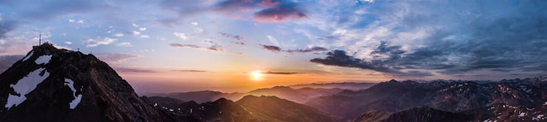 Panoramique 180° au Pic du Midi (Pyrénées)