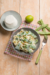 pasta with ricotta and flat green beans