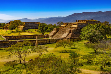 Poster Mexique Mexico. Archaeological Site of Monte Alban (UNESCO World Heritage Site). Buildings on west side of the Grand Plaza - System IV (Building K)