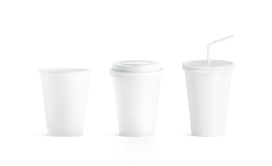 Blank white small paper cup with and without lid mockup, isolated, 3d rendering. Empty paper soda drinking mug mock up with cap and straw. Clear soft drink cola take away plastic package
