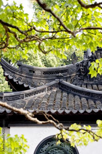 Detail of roofs at Yuyuan Gardens Yu Garden , Shanghai, China, Asia ...
