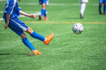 少年サッカー試合風景