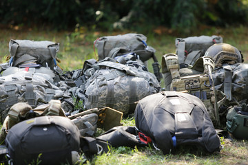 Equipment of Romanian military paratroopers