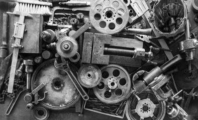 Инструмент  /   Композиция из металлических объектов и ручного инструмента