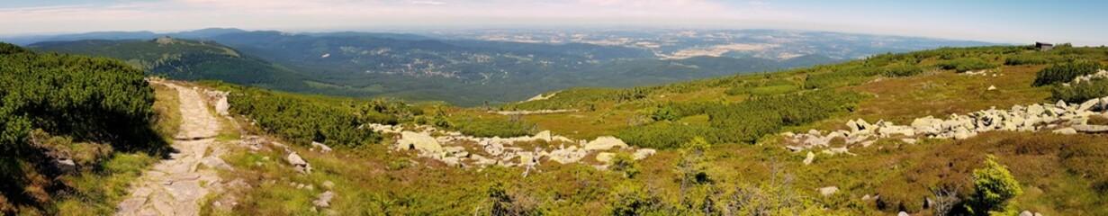 Na szlaku - panorama z wyprawy w polskie góry, Karkonosze w pobliżu Szklarskiej Poręby, pasma Sudetów