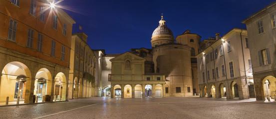 Fotomurales - Reggio Emilia - The square Piazza San Prospero at dusk.