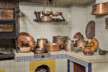 Copper and clay kitchenware Common kitchenware used in Latin America