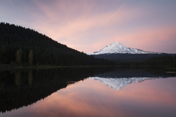 Trillium Lake with Mount Hood, Clackamas County, Oregon, United States, North America