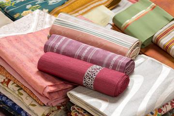 リサイクル用の着物と帯