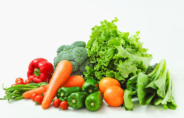 Canvas Prints Vegetables 新鮮な野菜の盛り合わせ