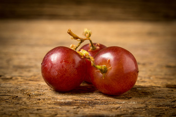 grapes seedless red on old wood