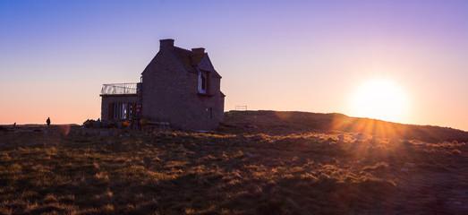 La maison et le soleil