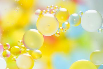 カラフルな泡