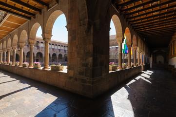 サント・ドミンゴ教会中庭