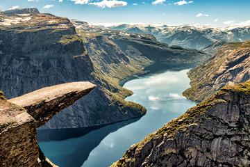 Canvas Prints Europa Trolltunga Norwegen - Wandern im Urlaub