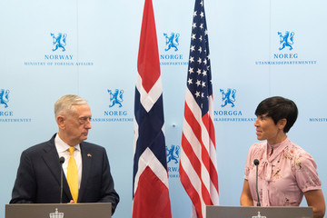 U.S. Secretary of Defence James Mattis and Norwegian Foreign Minister Ine Eriksen Soreide address a press conference in Olso
