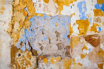 Farbschichten auf einer Mauer
