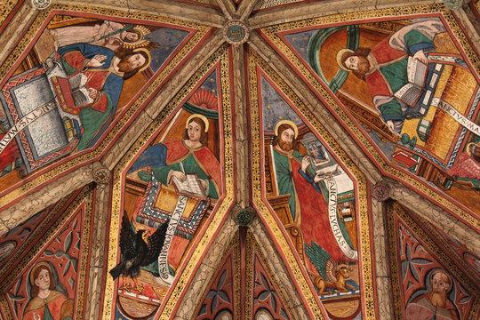 i quattro evangelisti; affresco nel presbiterio della chiesa di San Pietro a Cembra